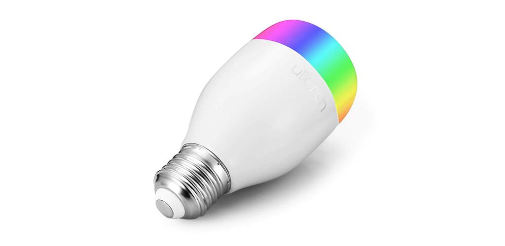 Utorch LE7 - nejlevnější barevná Smart žárovka