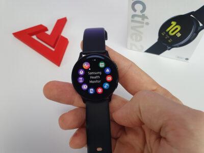 Mnoho aplikací na hodinkách Samsung Galaxy Watch Active2